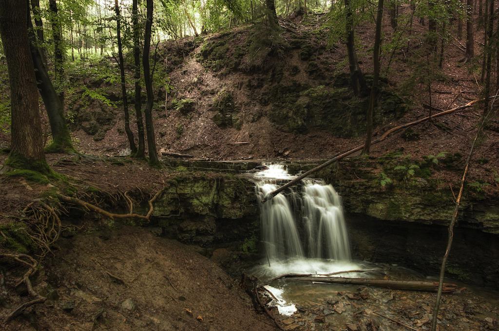 """Der """"Große Wasserfall"""" im Rickbachtal ist in regenreichen Zeiten ein echtes Naturschauspiel."""