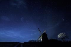 Mühle im Sternenhimmel – © Hans Jürgen Schalski