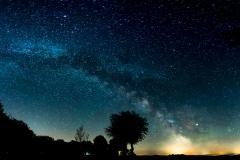 Milchstraße über dem nächtlichen Hillentrup © Gerhard Tegeler